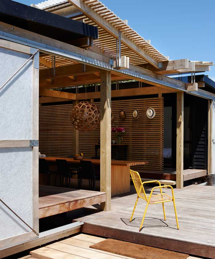 Detail of the deck and pergola roof.