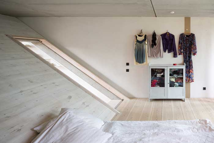 The private main bedroom. Photography Andreas Meichsner.