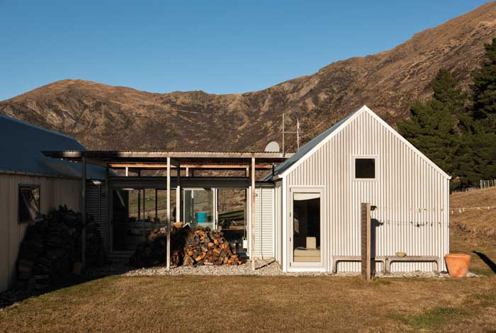 Farm House by Architecture Workshop