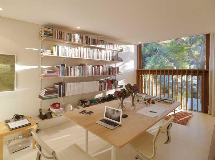 panov-scott-minimlaist-home-office