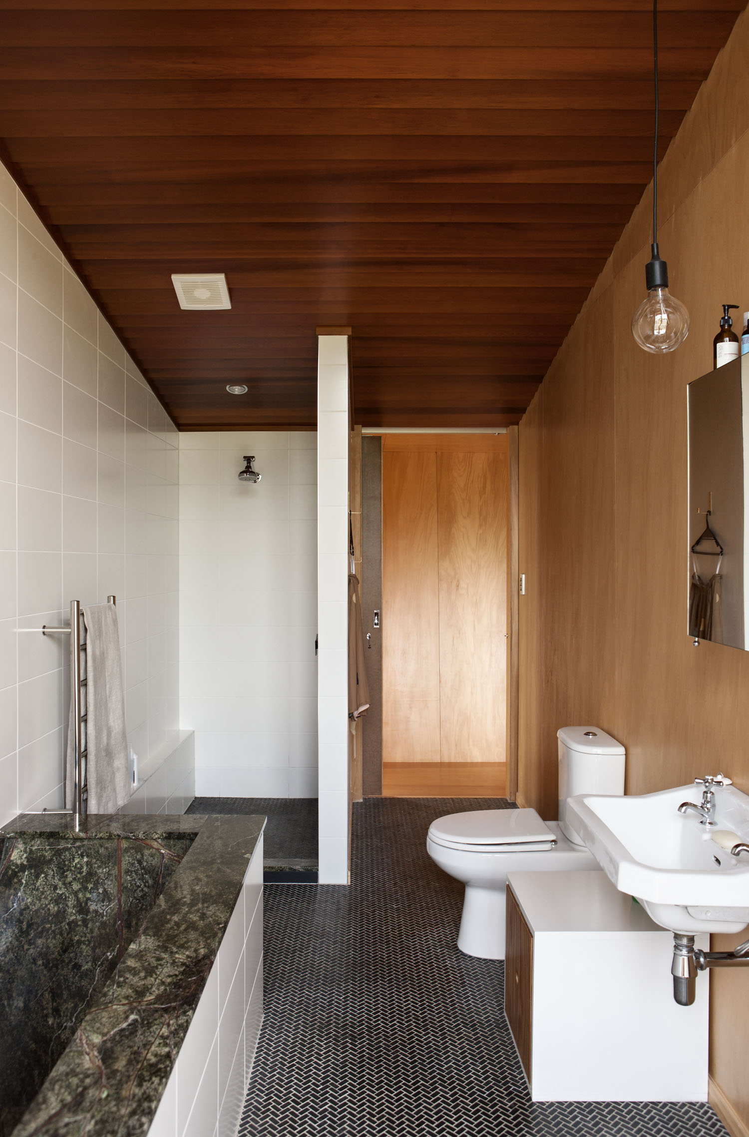 Michael O'Sullivan Waiheke house bathroom