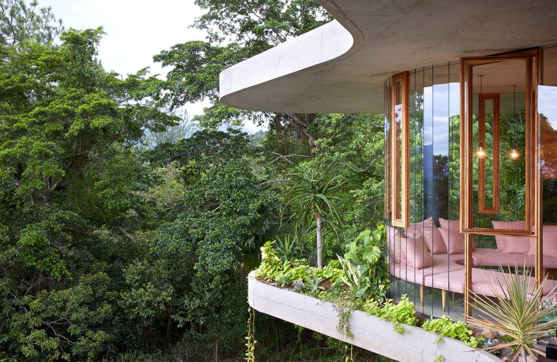 Jesse Bennett Architect Planchonella House, Queensland