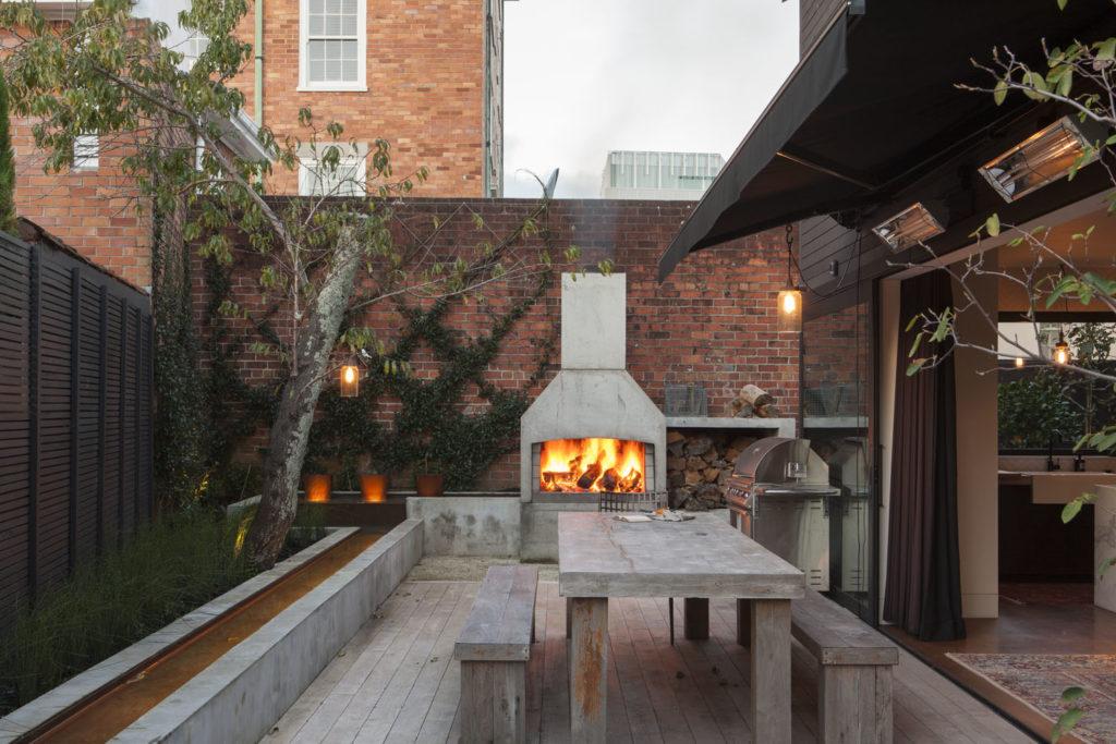 Richard Naise suburban house courtyard